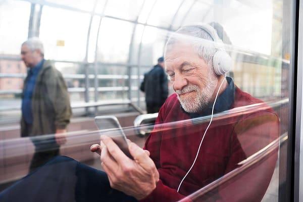 تاثیر موسیقی بر سلامت افراد سالخورده