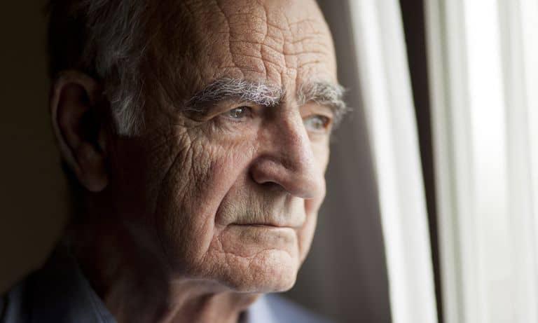 دلایل افسردگی در افراد مسن